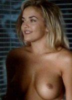 Pamela Bach  nackt