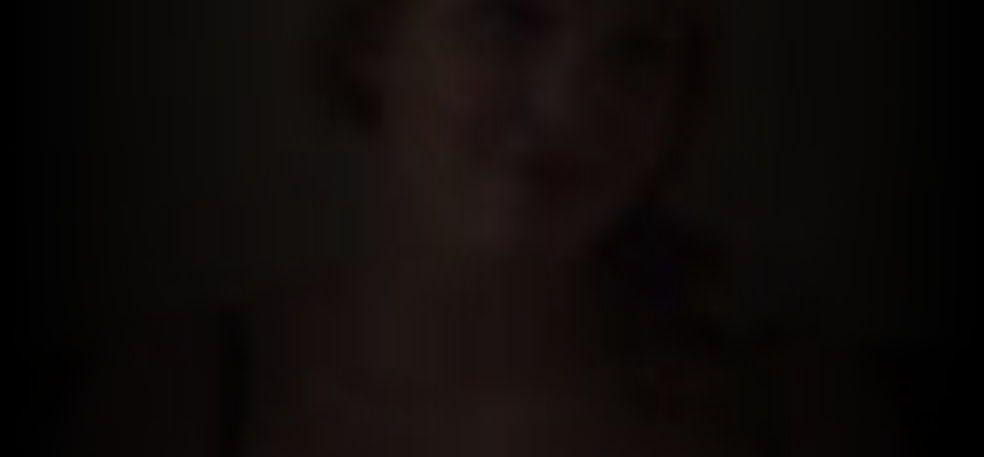 Sophie Nelisse  nackt